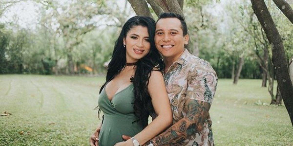 Modelo guatemalteca da a luz a la hija del cantante Edwin Luna y la presentan en redes