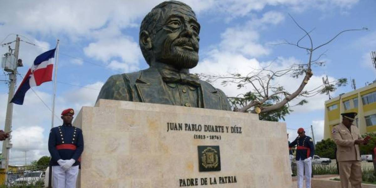 Artistas plásticos se pronuncian sobre polémico busto de Juan Pablo Duarte