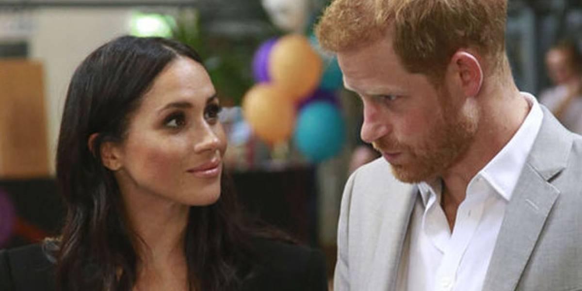 Video muestra como el príncipe Harry rechaza tomar la mano de Meghan ¿problemas en el paraíso?