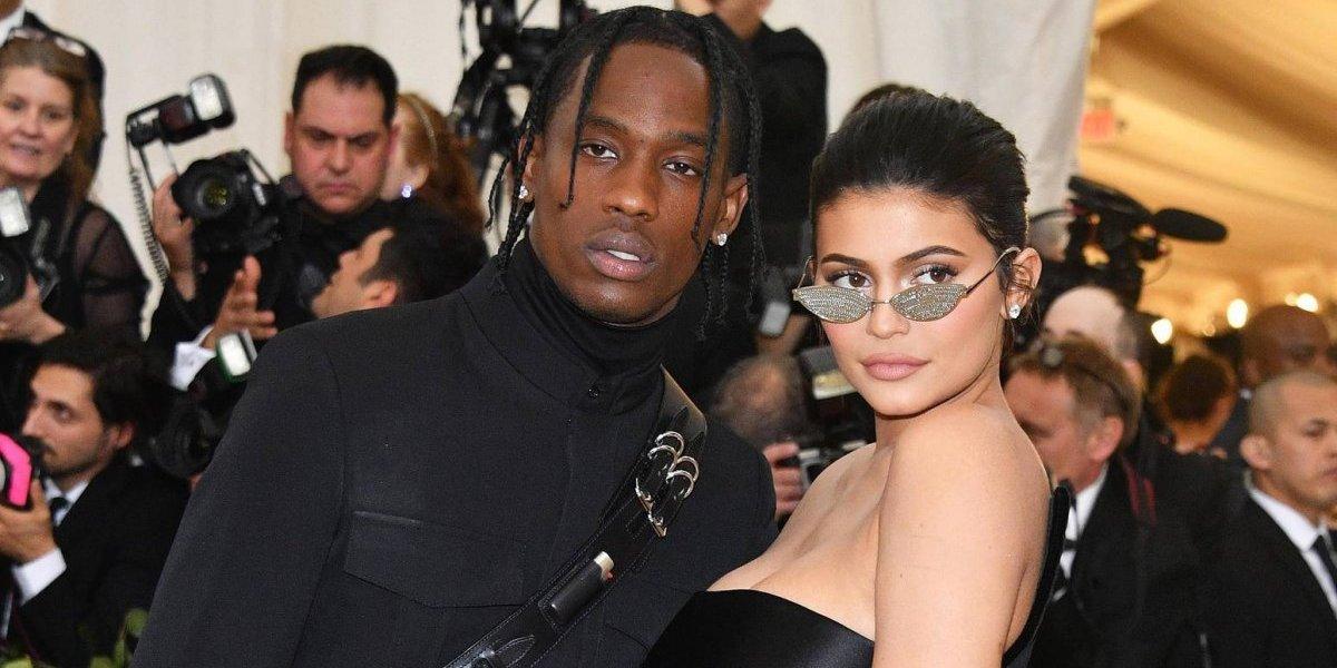 Con muy poca ropa Kylie Jenner aparece en GQ acompañada de Travis Scott