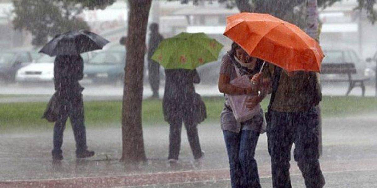 El COE emite alerta verde para Santo Domingo, San Cristóbal y SPM por lluvias