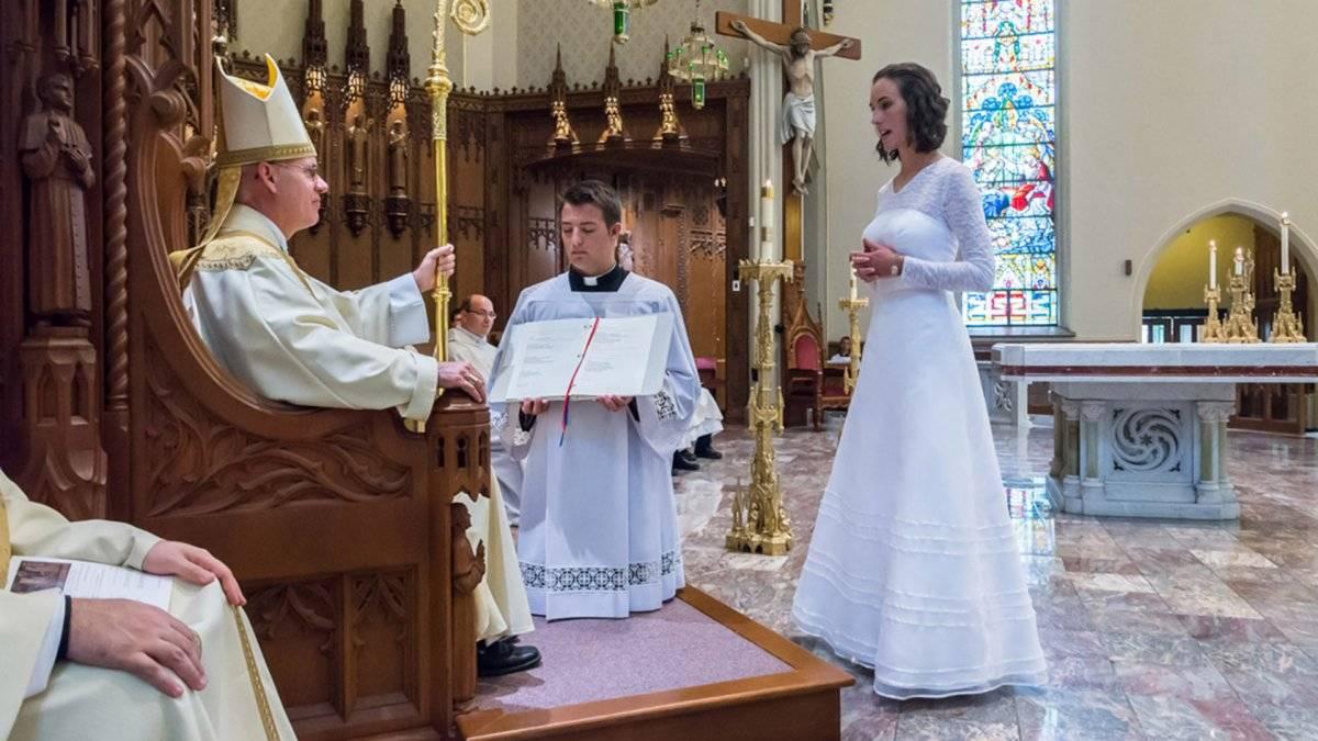 Jessica Hayes, profesora de Teología fue consagrada como virgen en Estados Unidos, en 2015 Internet