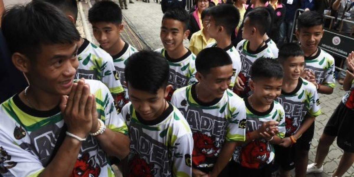 Los niños atrapados en la cueva de Tailandia salen del hospital