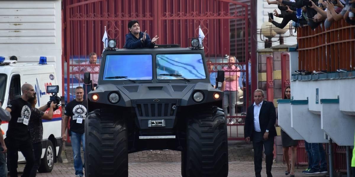 Maradona, presidente de un club en Bielorrusia: los sorprendentes regalos que recibió