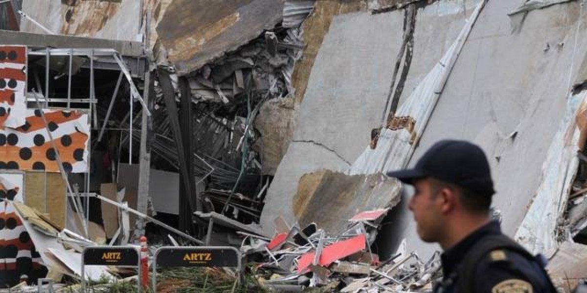 Imputan a dos por derrumbe de centro comercial al sur de la CDMX