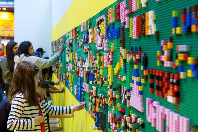 LEGO, BRICKLIVE