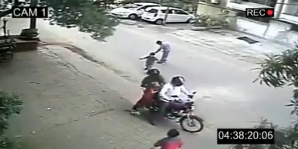 Falsos secuestros de niños en Whatsapp causan linchamiento masivo