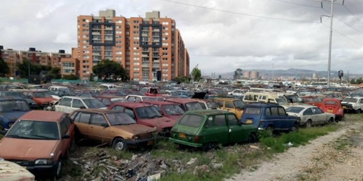 Subasta de vehículos abandonados en los patios de Bogotá