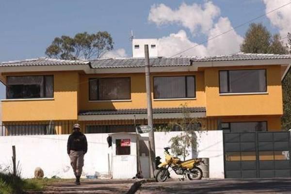 Rafael Correa traspasó su casa de Monteserrín a su hijo