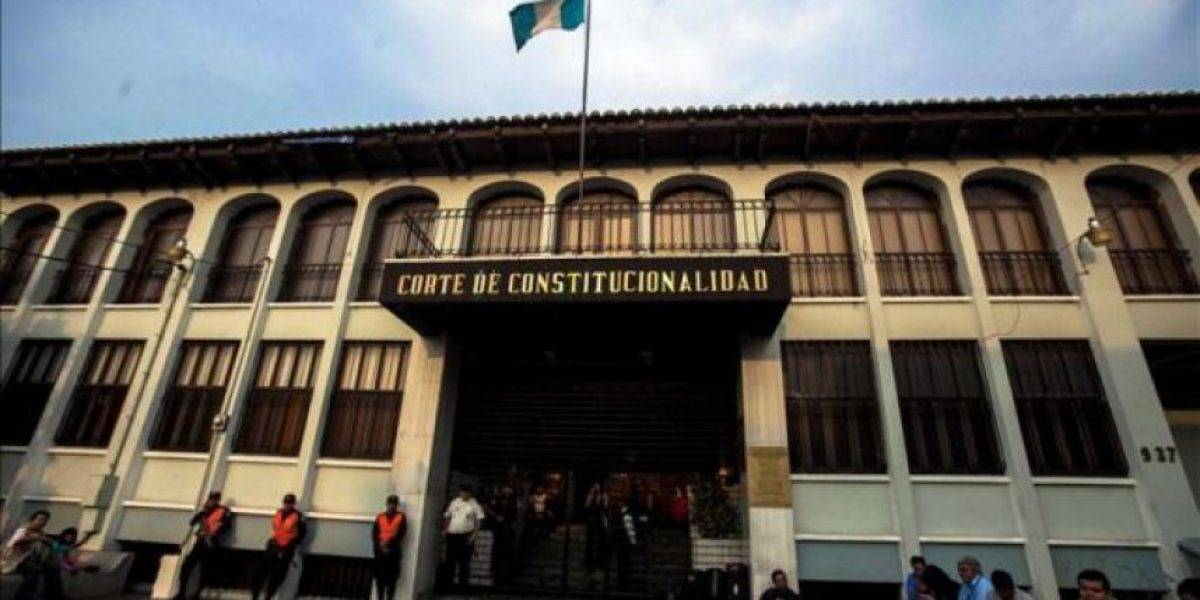 CC admite trámite de amparo de PDH en contra de Jimmy Morales
