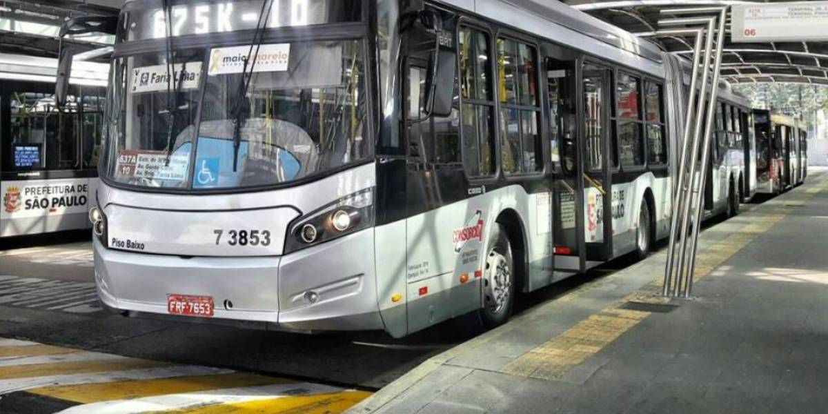 Lei que permite mulheres descerem fora do ponto de ônibus ainda é pouco conhecida