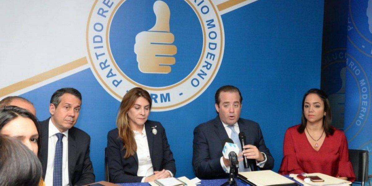PRM respalda diputados y exige comisión investigue pagos a Santana y Moura