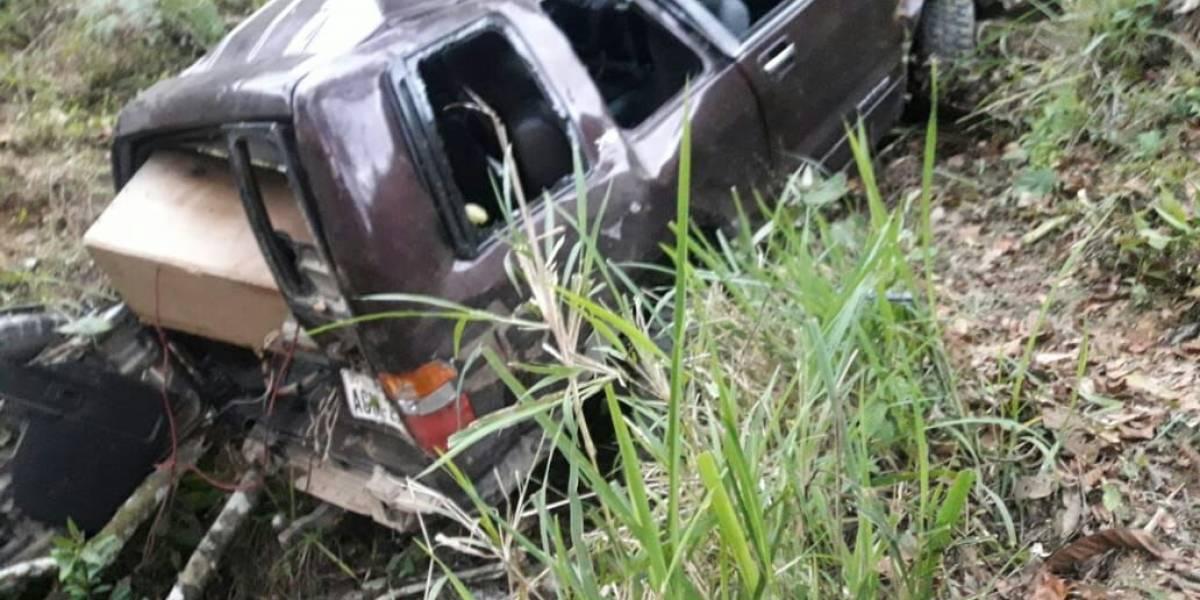 Dos fallecidos y cuatro heridos tras un accidente de tránsito en Piñas, El Oro