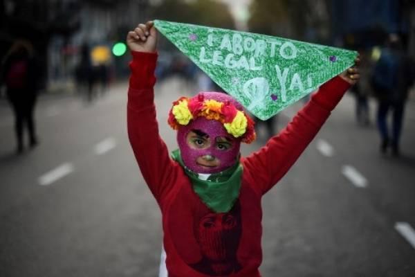El pañuelo verde, símbolo a favor del aborto en Argentina