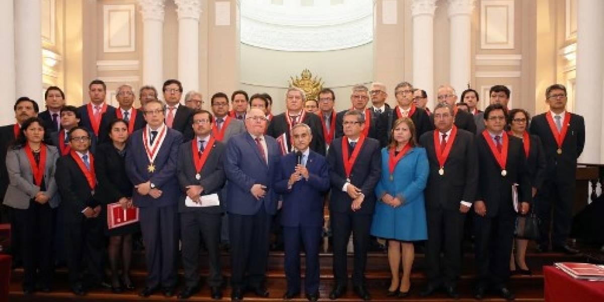 El presidente de Corte Suprema peruana renuncia en medio de escándalo de audios