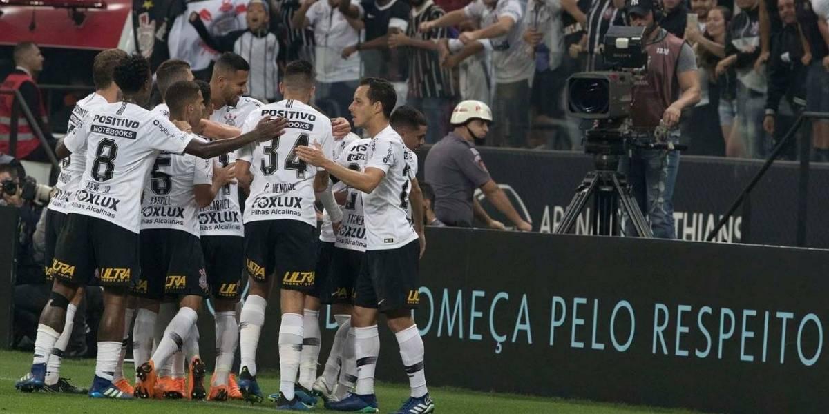 Corinthians le mete miedo a Colo Colo tras soberbio triunfo ante Botafogo de Leo Valencia