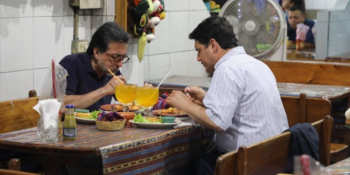 El alcalde Quiñónez y el embajador Arreaga se reúnen en el Mercado Central