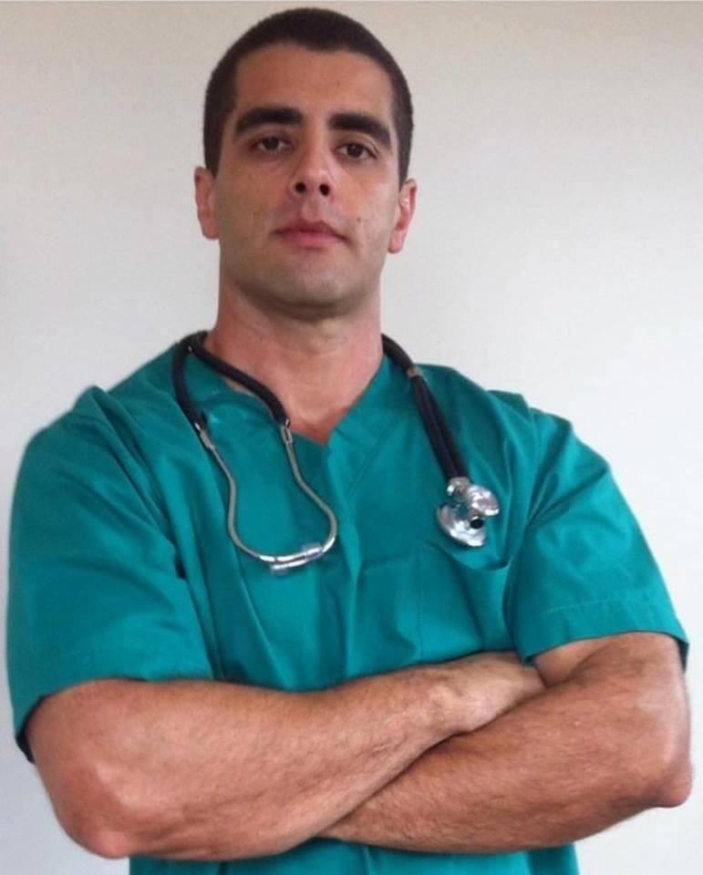 Detienen a 'Dr. Bumbum' por muerte de paciente durante cirugía clandestina