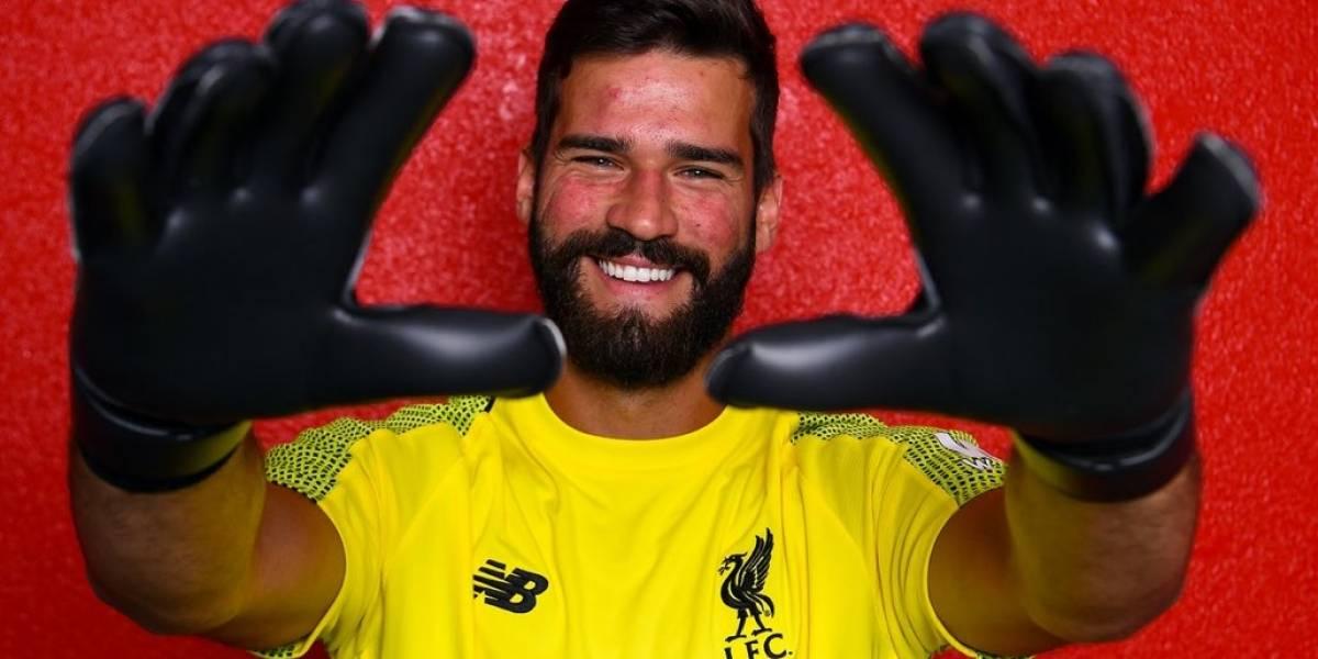 Liverpool ficha a Alisson y lo convierte en el arquero más caro de la historia del fútbol
