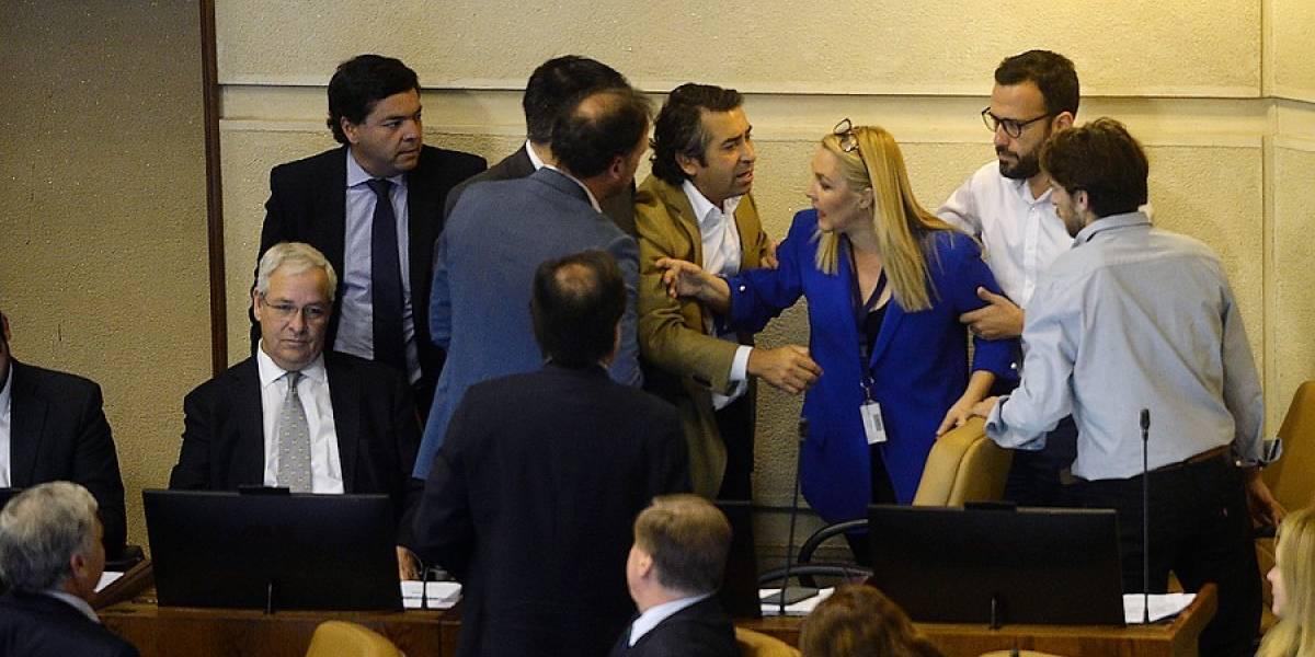 """Parlamentario UDI sancionado por expresiones contra víctimas de la dictadura militar: les llamó """"terroristas con aguinaldo"""""""