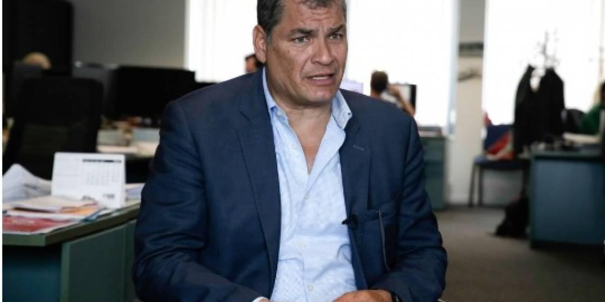Fiscalía pide asistencia a 12 países para investigar a Correa por contratos petroleros