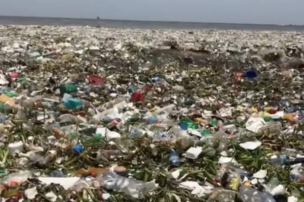 contaminación en playa de República Dominicana