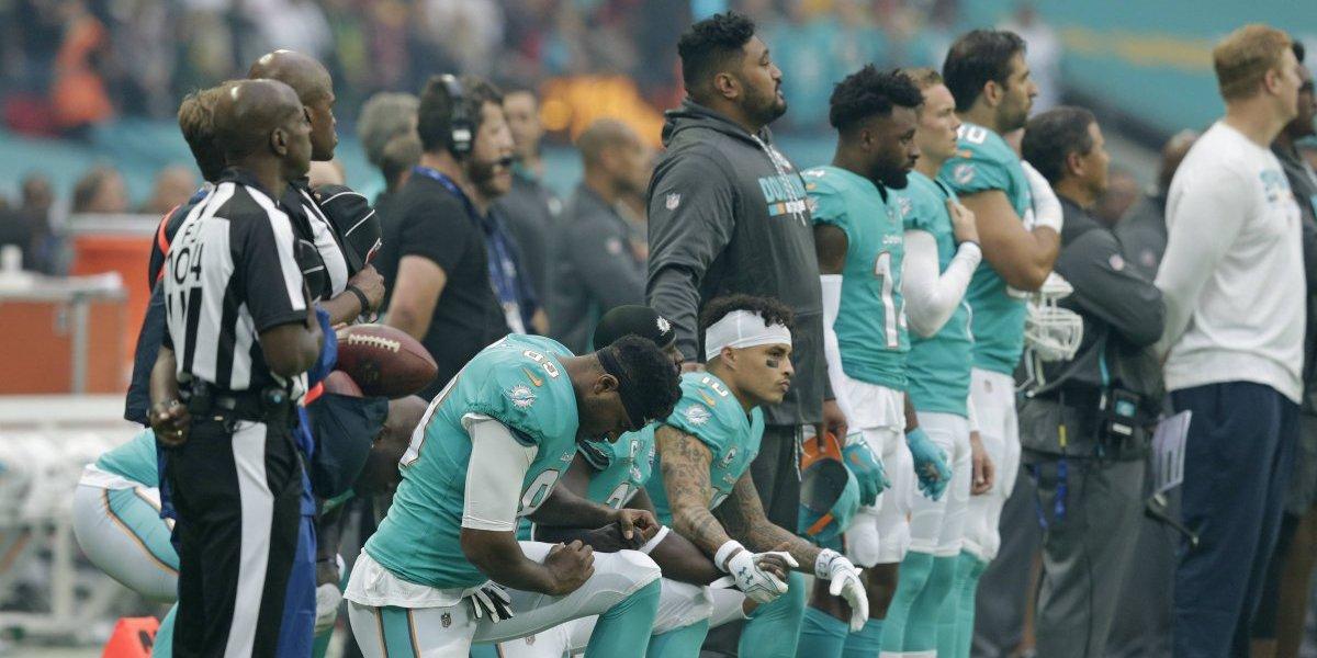 La NFL detiene sanciones a jugadores que protesten el himno