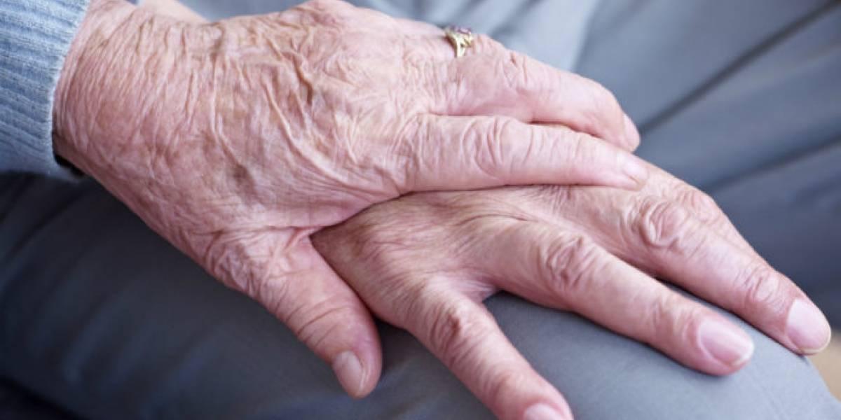 """""""Voy a pegarme un tiro"""": hombre de 77 años mató a su esposa y luego se suicidó porque no podían pagar sus gastos médicos"""