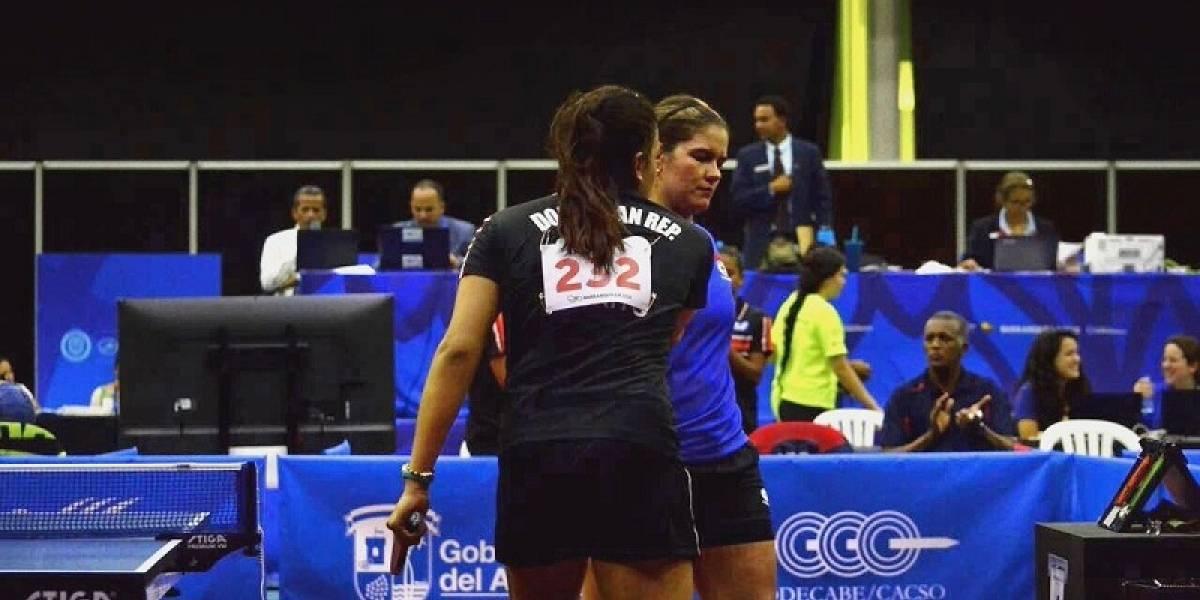 Tenis de mesa femenino divide en su primer día en Barranquilla