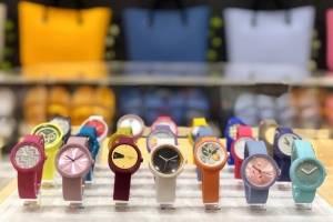 La línea de relojes O clock incluye una gama de más de 150 esferas y correas de diferentes diseños y colores, todos intercambiables. / Foto: David Cordero Mercado