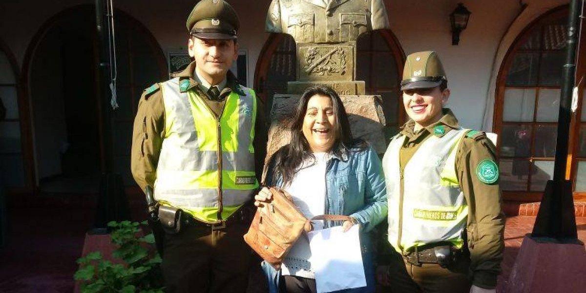 Carabineros rescataron pensión extraviada de abuelita en Maipú