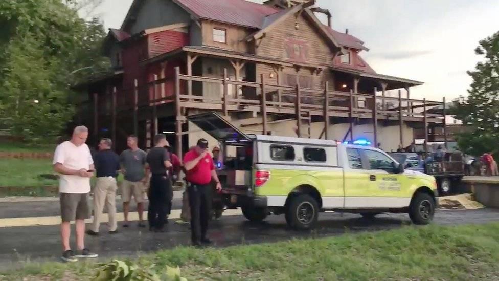 Se hundió una embarcación en Missouri; al menos 17 muertos