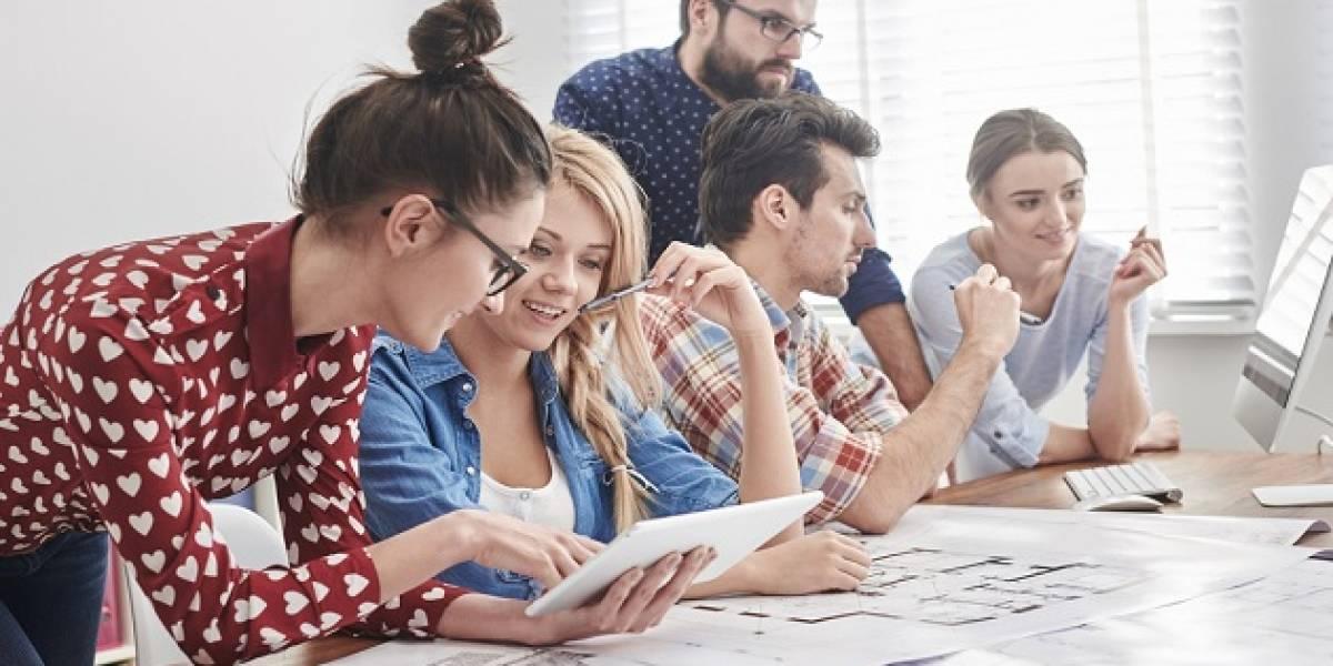 """Seminario de empleo """"Creemos en los Jóvenes"""" propuso fórmulas para reducir cesantía juvenil del 17% en Chile"""