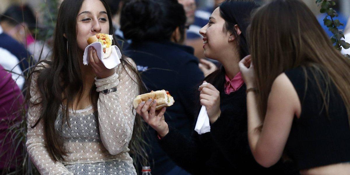 ¿Qué tan mal se alimentan los universitarios? Solo el 44% toma desayuno todo los días y un 7% consume la cantidad de fruta recomendada