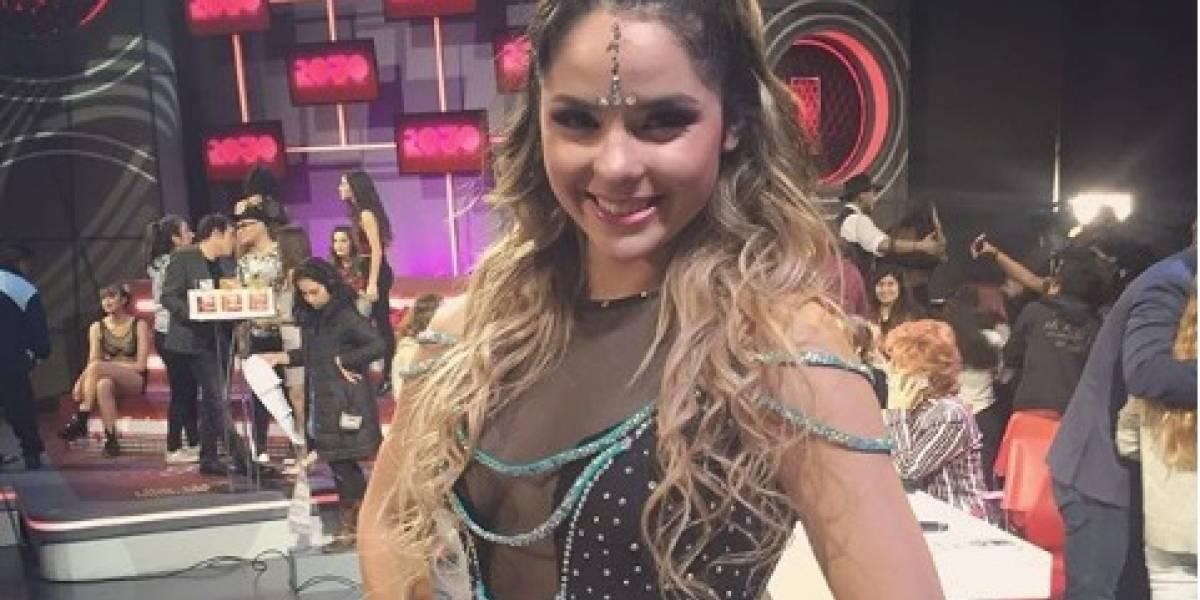 """Participante de """"Rojo"""" sufre dolorosa lesión en vivo mientras bailaba canción de """"La Sirenita"""""""