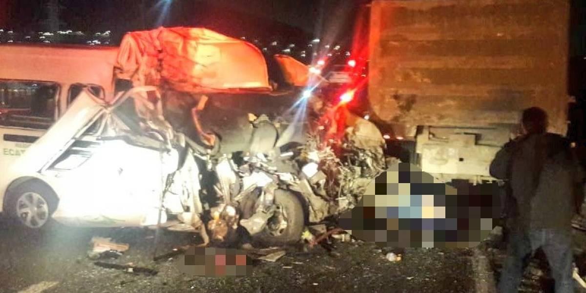 Suben a 13 los muertos tras accidente en la México-Pachuca