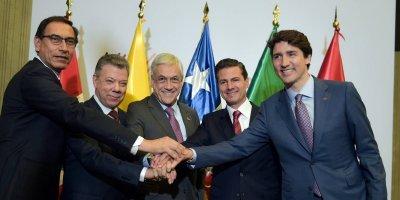 El Presidente de la República, Enrique Peña Nieto, y sus homólogos de los países que integran la Alianza del Pacífico –Chile, Colombia y Perú-, sostuvieron un encuentro con el Primer Ministro de Canadá, Justin Trudeau, con el objetivo de seguir avanzando