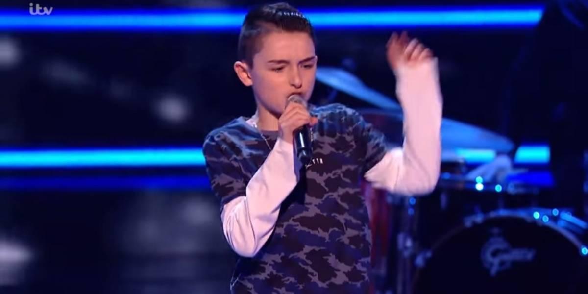 "Menino de 13 anos faz performance surpreendente no ""The Voice Kids UK"""