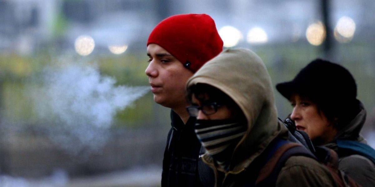 Ola de frío: Santiago registró -2º C y Meteorología alerta de heladas de Valparaíso a Magallanes