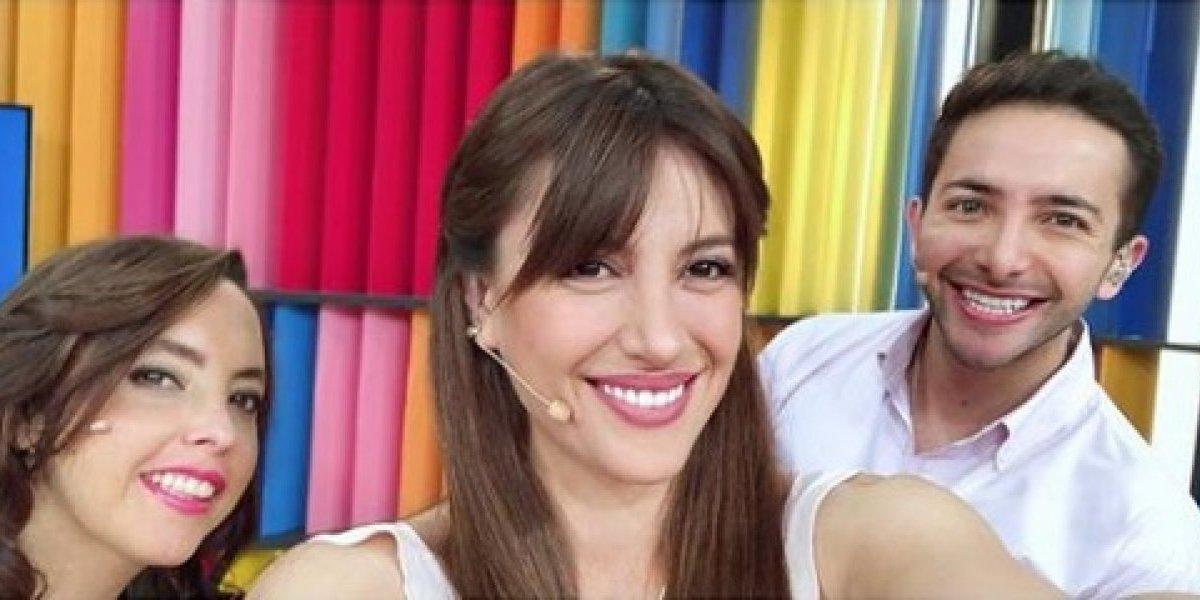 La divertida reacción de Karen Bejarano a falta de ortografía en su primer disco