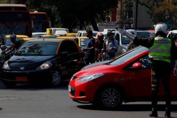 Ley Uber exige licencia A1 a conductores