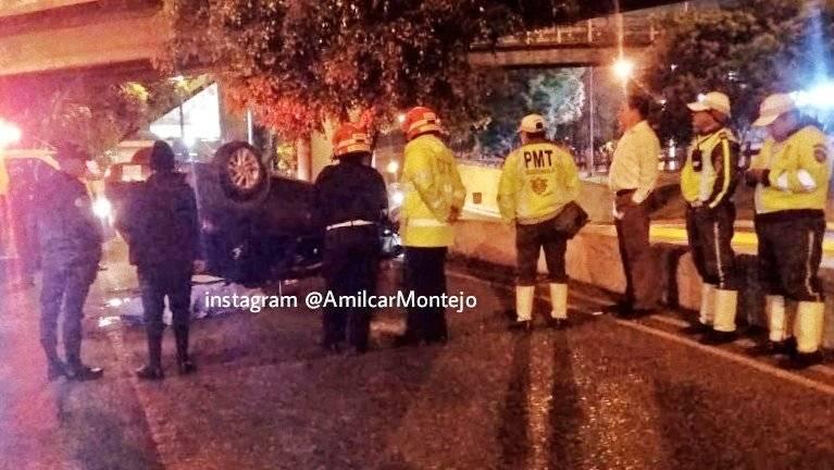 carro volcado en avenida Castellana