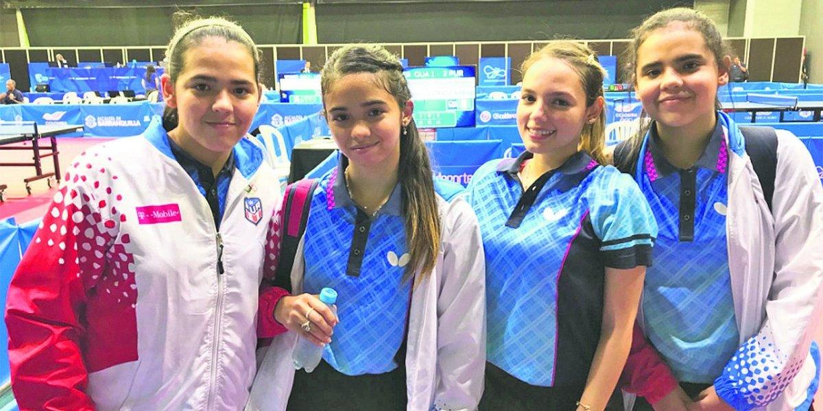Hermanas Adriana y Melanie Díaz conquistan oro en dobles femeninos