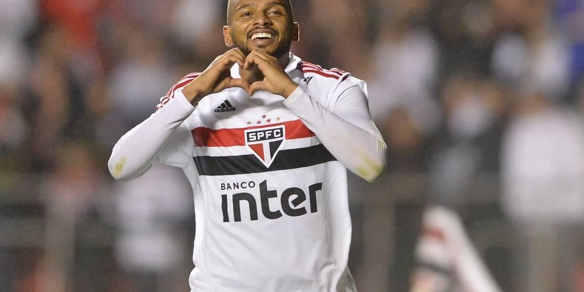 São Paulo conta com falha de Cássio, faz 3 e atropela o Corinthians no Morumbi