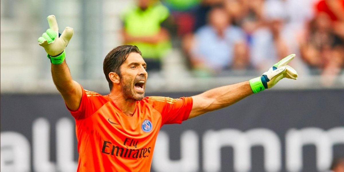 VIDEO. El flamante Gianluigi Buffon sufre un amargo debut con el PSG