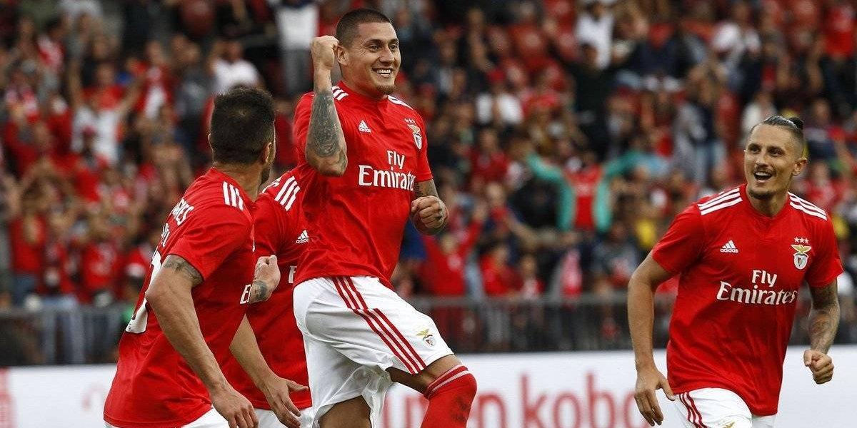 Nicolás Castillo anota de cabeza por el Benfica ante el Sevilla