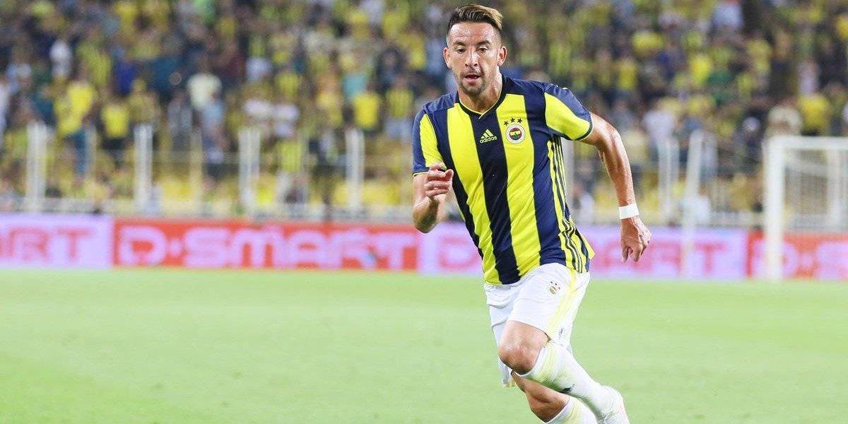 El Huaso Isla brilla en Turquía con una asistencia en empate de Fenerbahçe