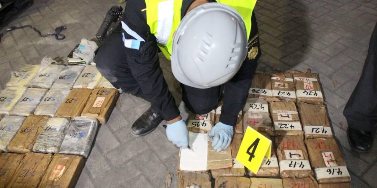 Autoridades incautan 631 paquetes con cocaína en Puerto Quetzal