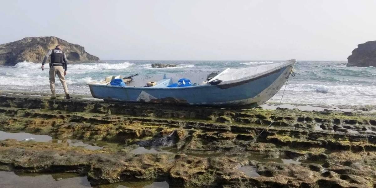 Hallan sin ocupantes ni motor una embarcación en playa de Barceloneta