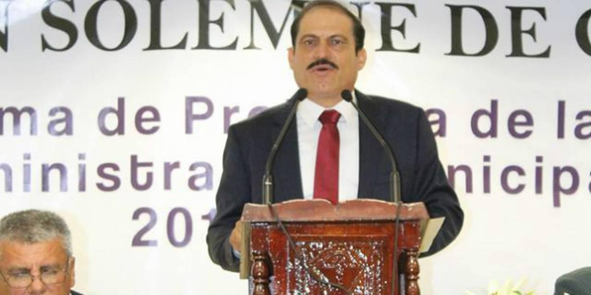 Ex alcalde de Sinaloa incursiona como actor en narcocorrido